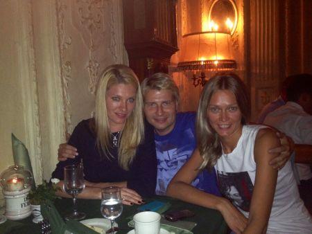 Николай Басков с двумя Светланами