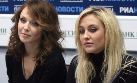 Альбина Джанабаева и Ева Бушмина