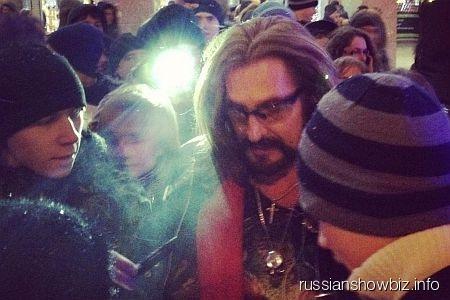 Никита Джигурда со своими поклонниками