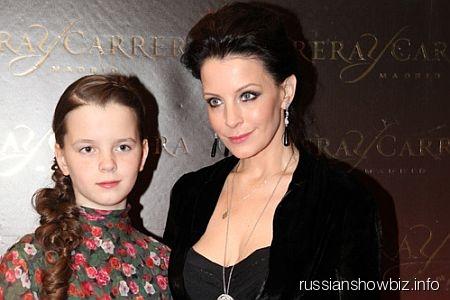 Евгения Крюкова с дочкой Авдотьей