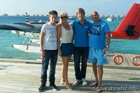 Валерия с семьей