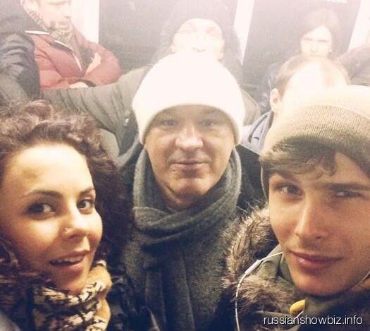 Настя Каменских с друзьями в метро