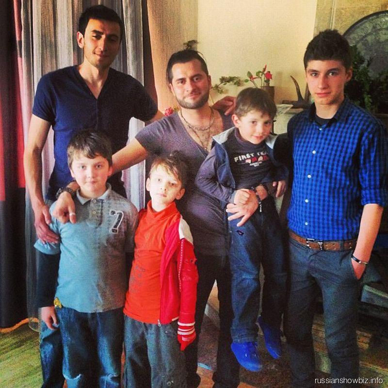 Иракли с братьями