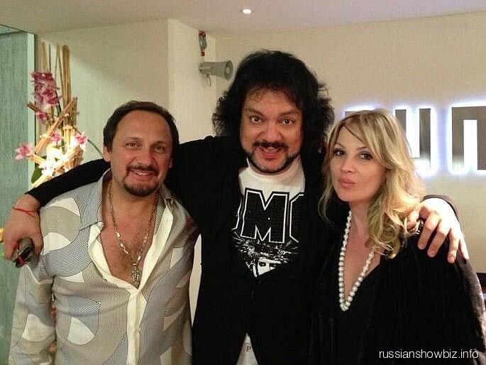Филипп Киркоров и Стас Михайлов с женой