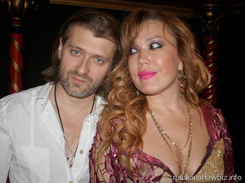 Азиза с возлюбленным Александром