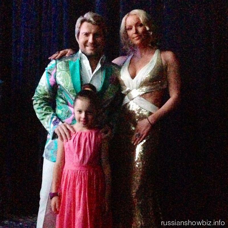 Николай Басков и Анастасия Волочкова с дочерью