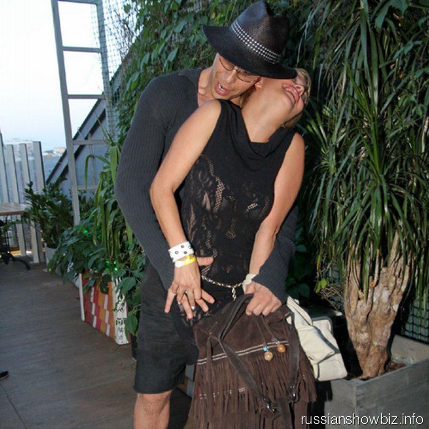 Тарзан с девушкой