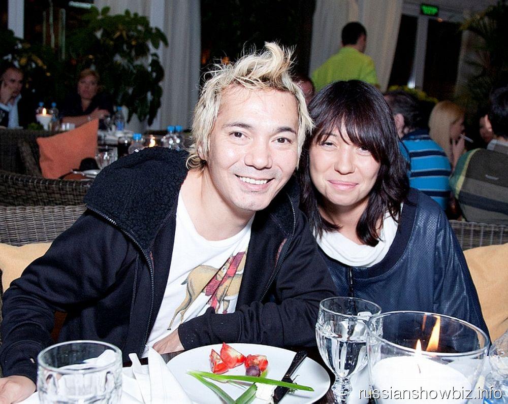 Олег Яковлев с девушкой