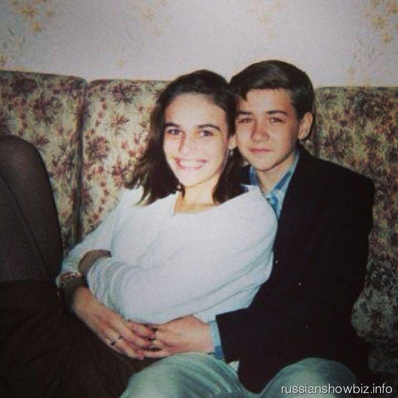 Алена Водонаева со своей первой любовью