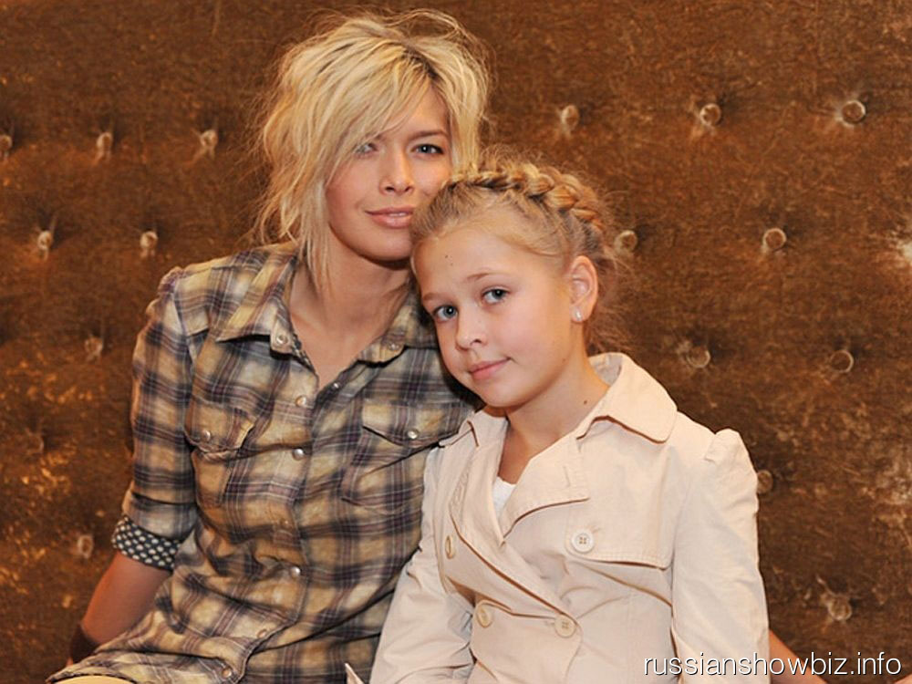 Вера Брежнева с дочкой