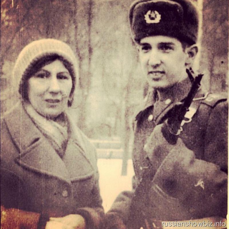 Кай Метов с мамой