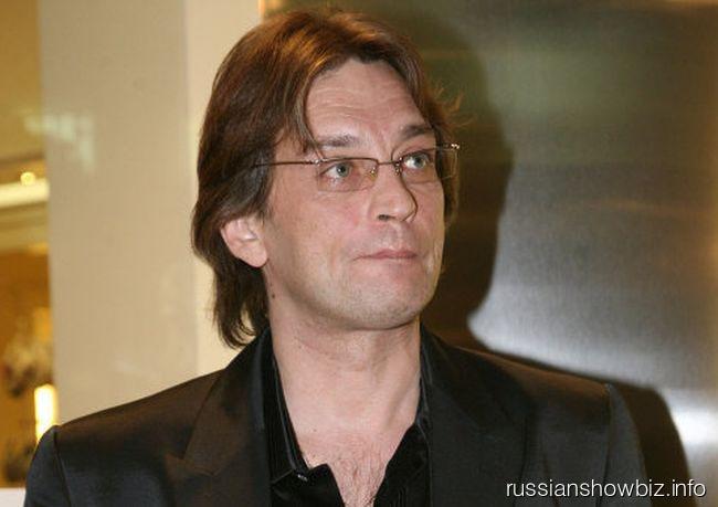 Александр Домогаров пересел в эконом-класс