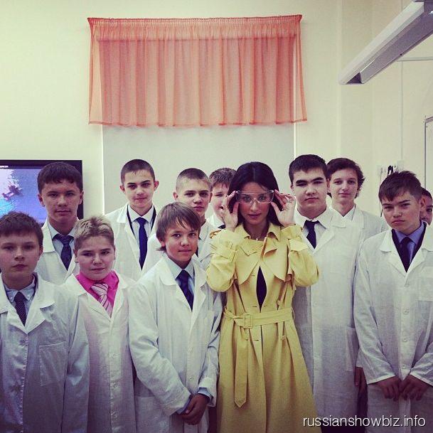 Тина Канделаки с лицеистами
