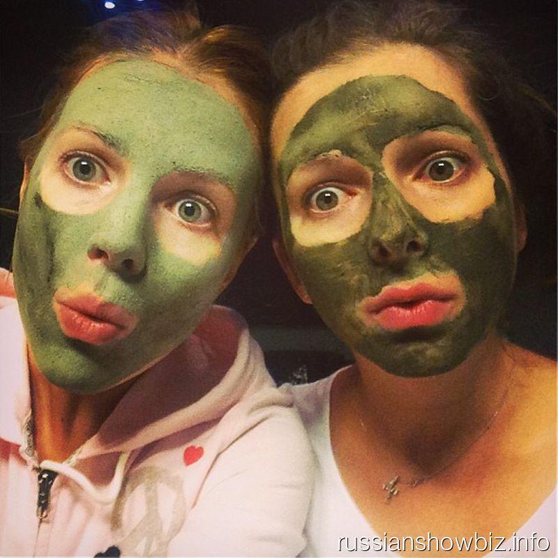 Наталья Подольская в маске