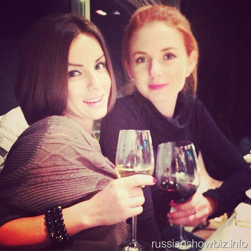 Лена Катина и Юлия Волкова