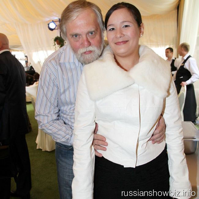 Александр Бялко с молодой женой
