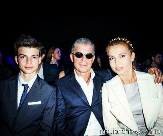 Олег Газманов с женой и младшим сыном