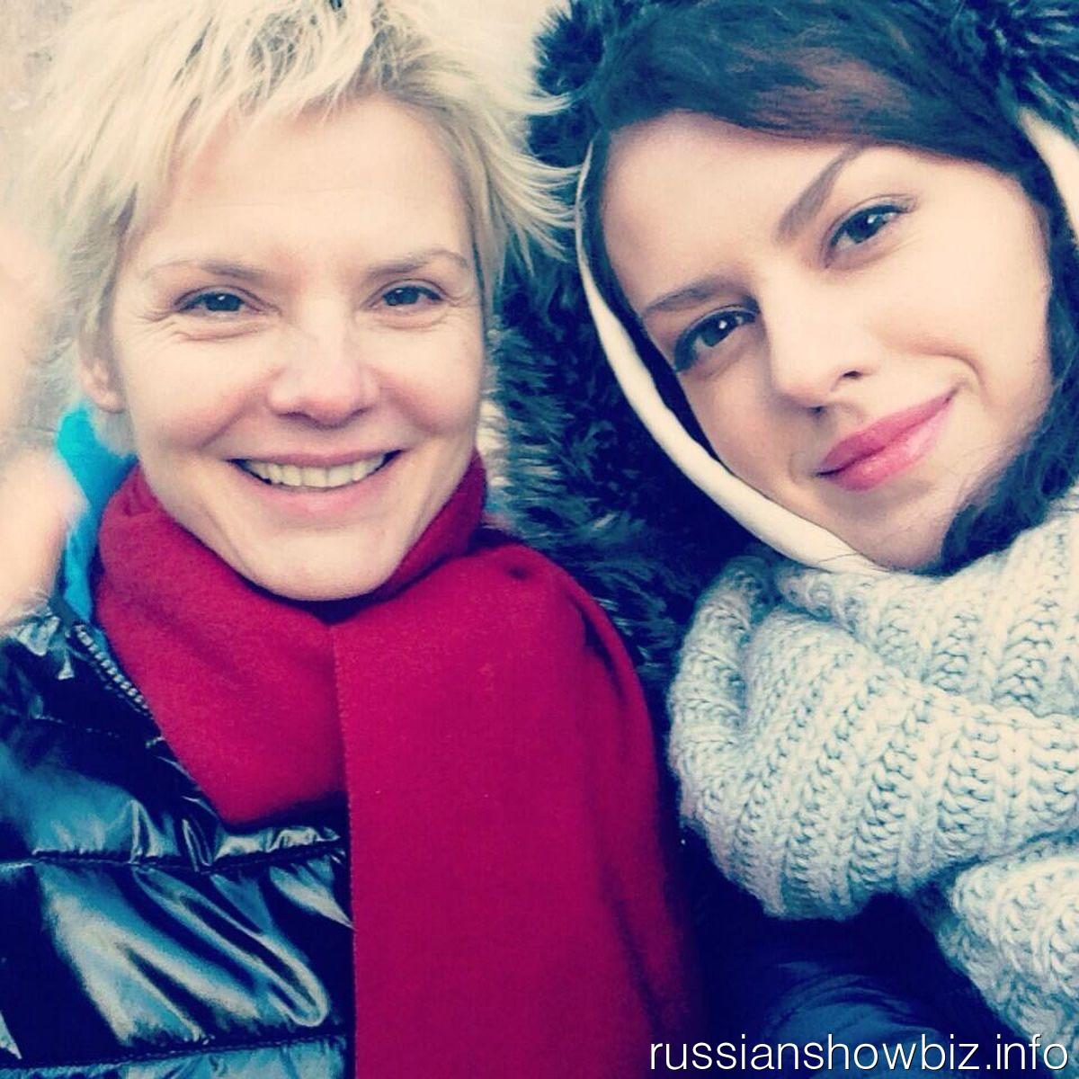 Лянка Грыу с мамой