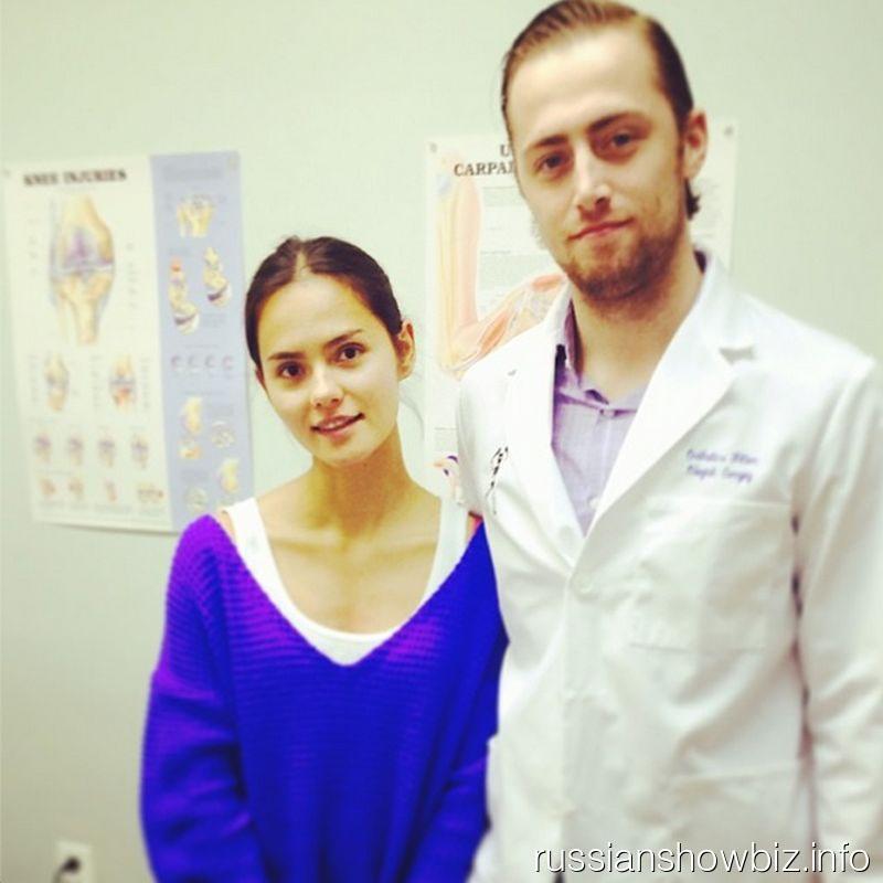 Катя Ли с доктором