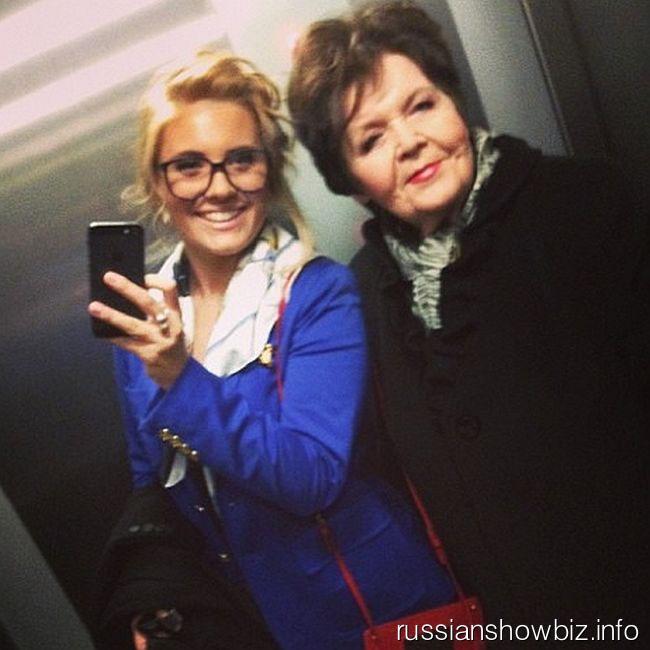 Анна Шульгина с бабушкой