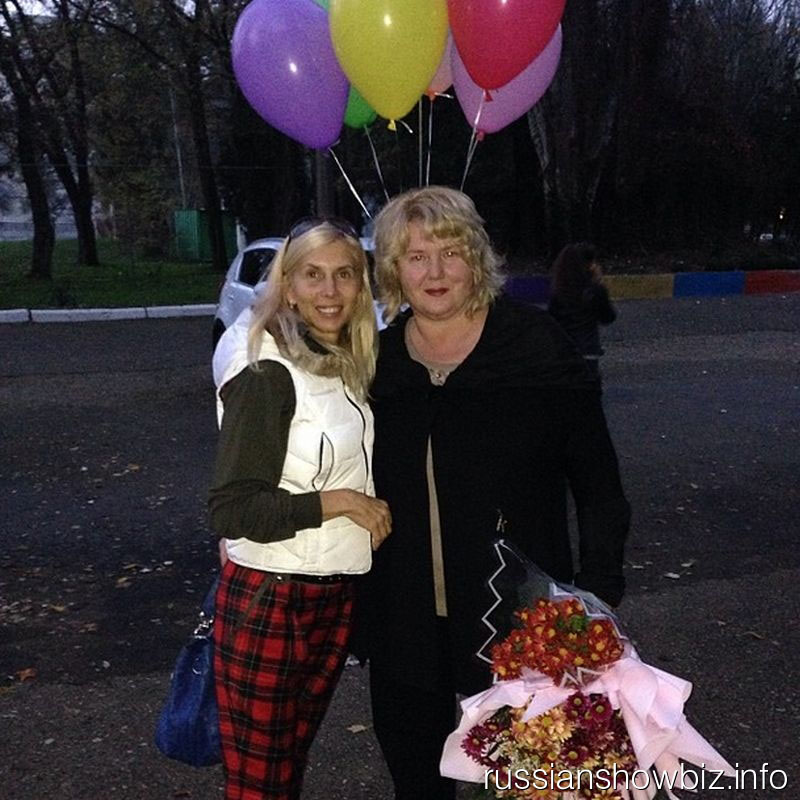 Алена Свиидова с сестрой Натальей