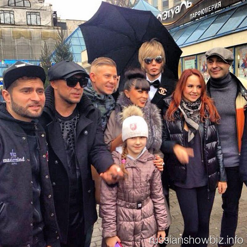 Российские звезды спустились в метро