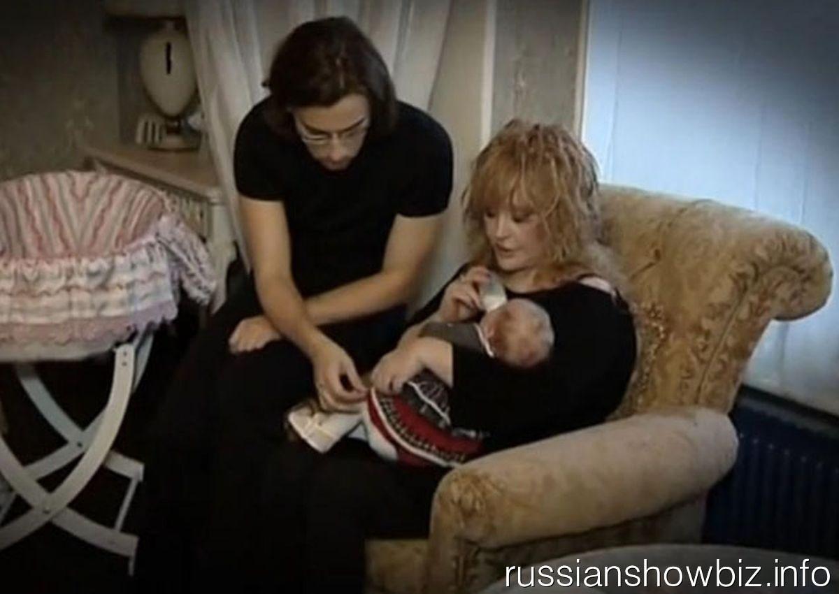 Максим Галкин и Алла Пугачева с ребенком