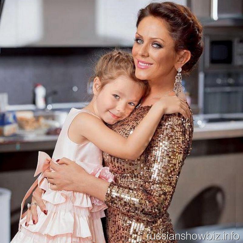 Юлия Началова с дочкой