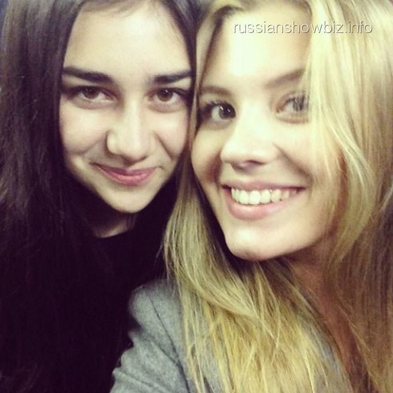 Анна Шульгина со сводной сестрой