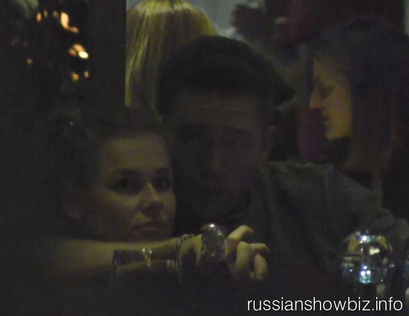 Влад Соколовский с новой девушкой