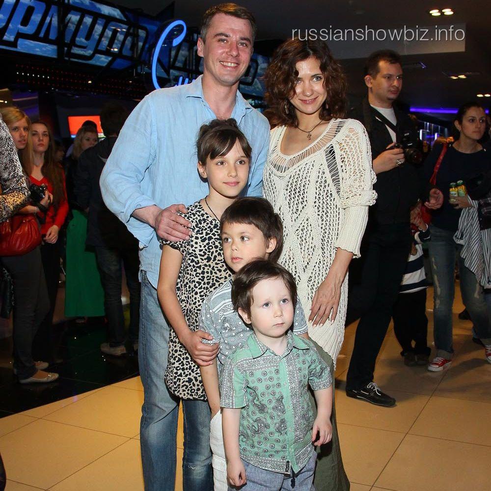 Игорь Петренко и Екатерина Климова с детьми