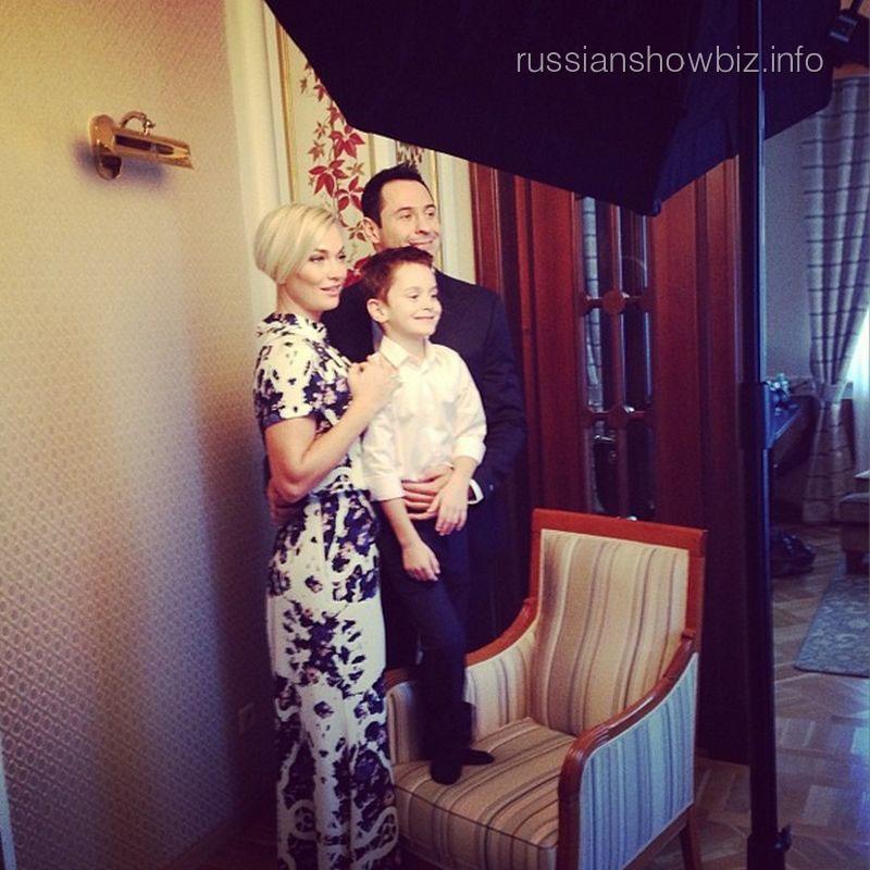 Стас Костюшкин с семьей
