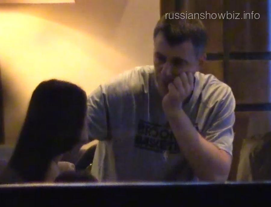 Михаил Прохоров с девушкой