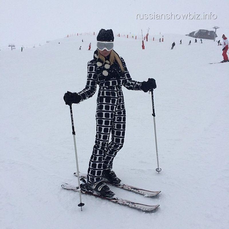 Яна Рудковская на горнолыжном курорте