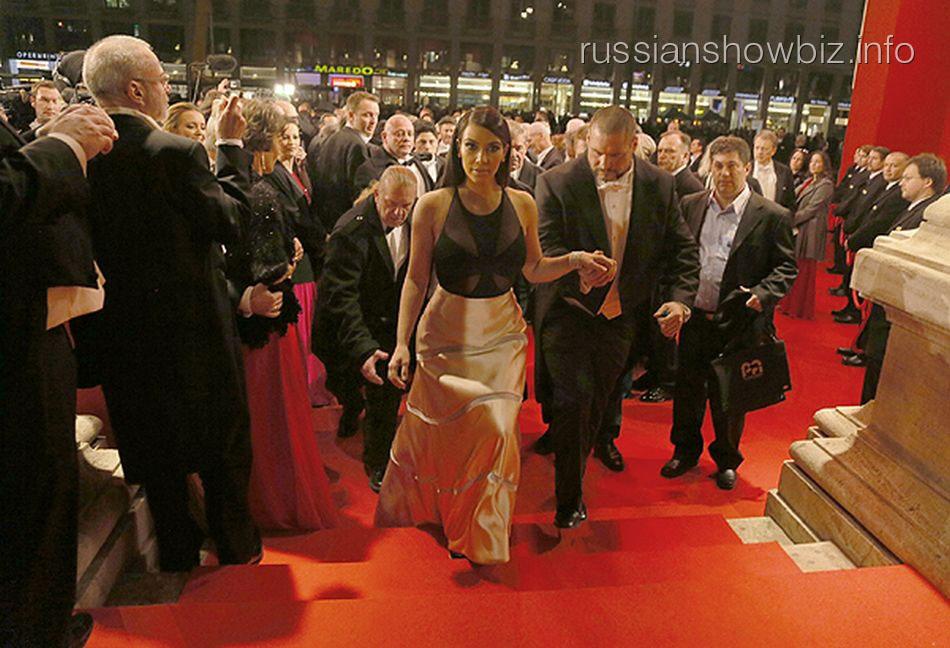 Ким Кардашьян на Венском балу