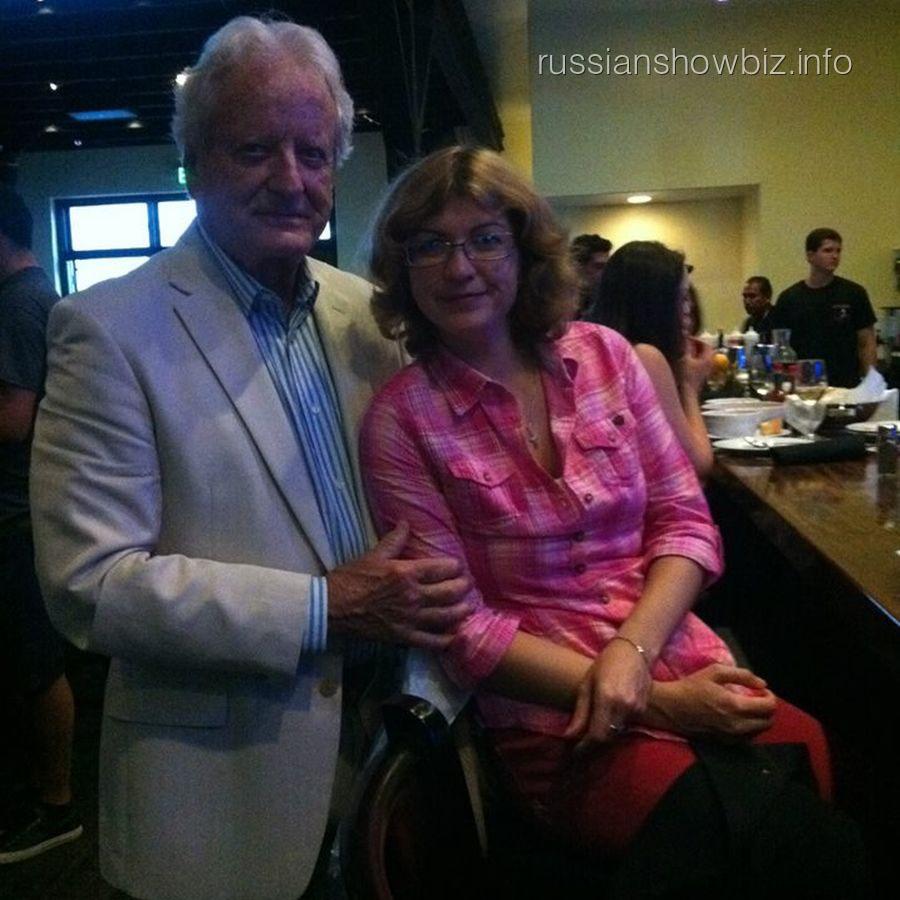 Николас Костер с русской женой