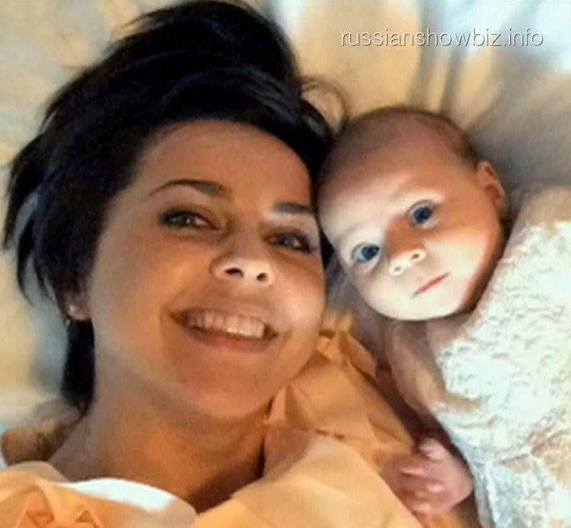 Ольга Шелест с дочкой