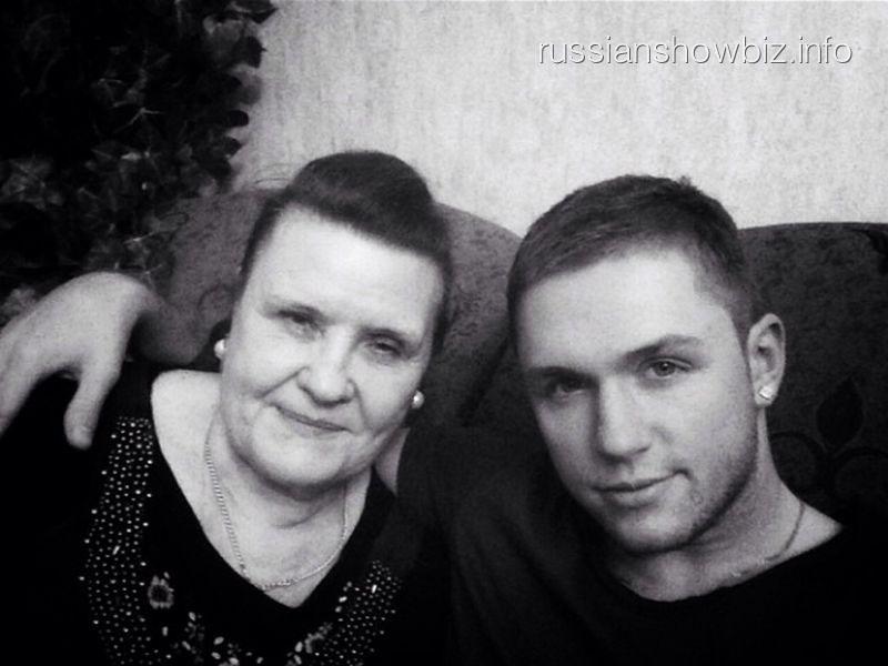 Влад Соколовский с бабушкой