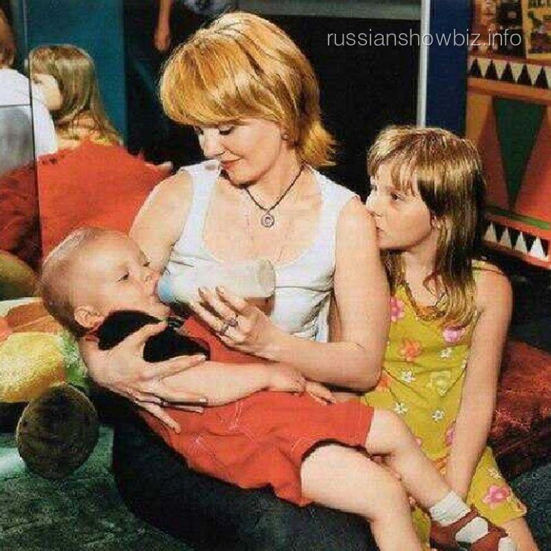 Валерия с сыном и дочкой