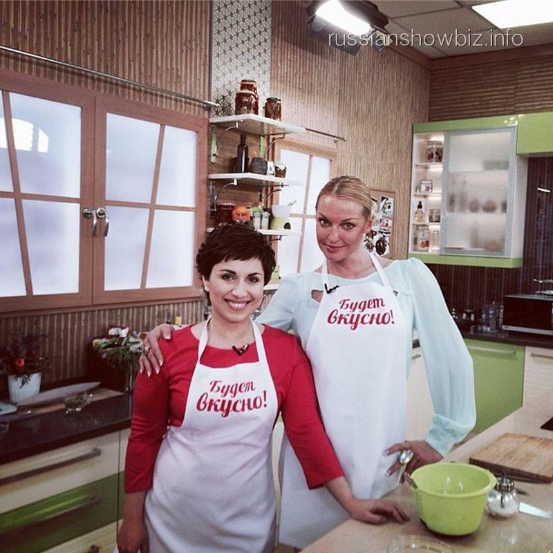 Анастасия Волочкова на кулинарной передаче