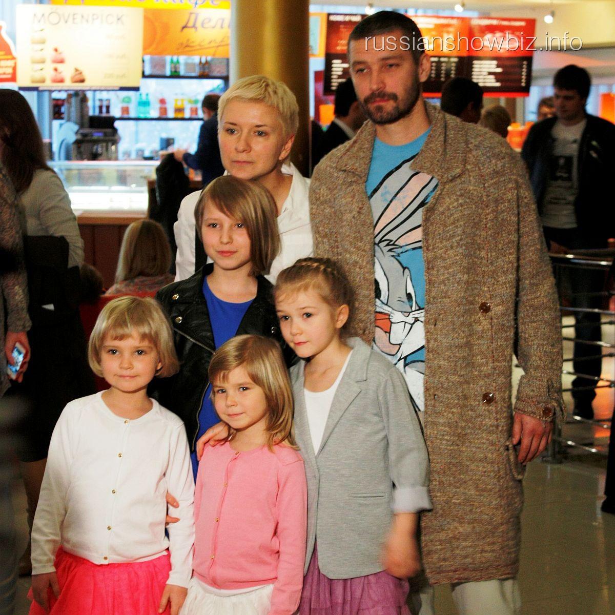 Владимир Кристовский с семьей