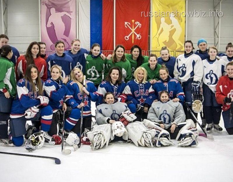 Лера Кудрявцева на хоккейной тренировке