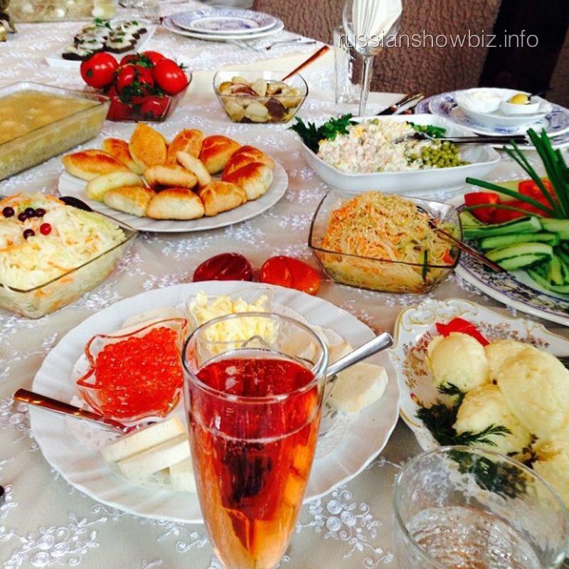 Праздничный стол Аллы Пугачевой