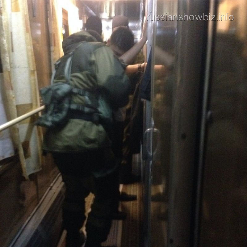 Российские военные в поезде