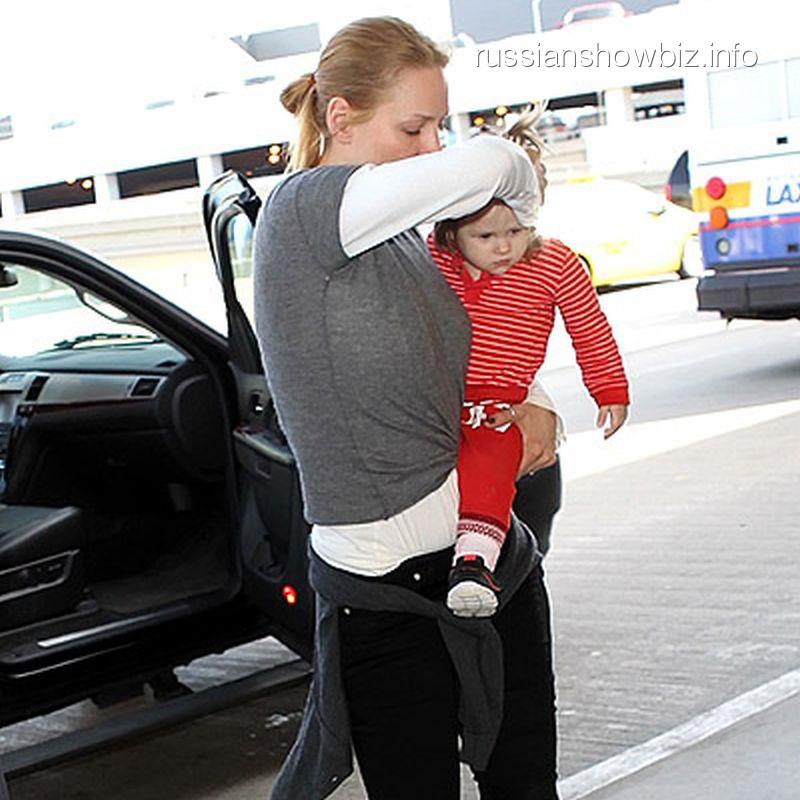 Ума Турман с дочкой