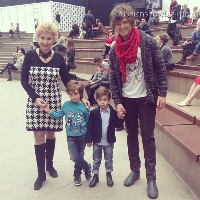 Прохор Шаляпин и Лариса Копенкина с детьми