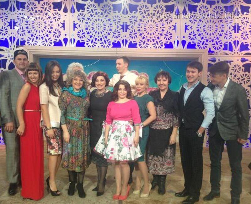 "Роза Сябитова и ее дочь на передаче ""Давай поженимся"""