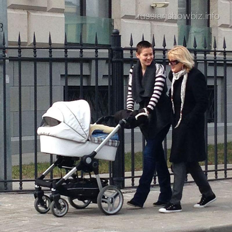 Мария Кожевникова с мамой и сыном