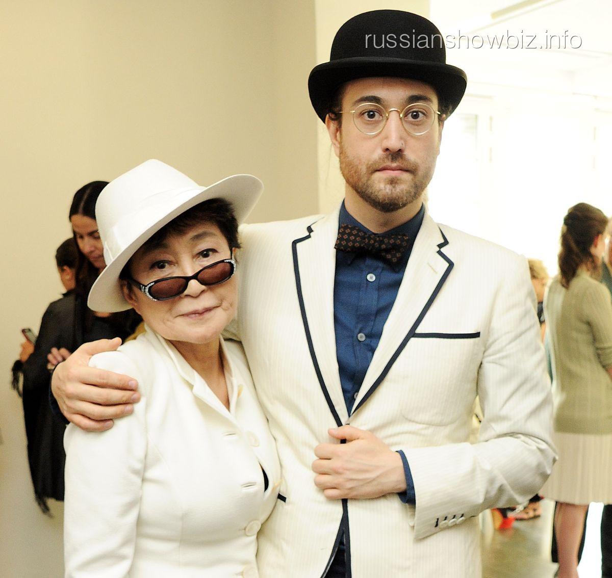 Йоко Оно с сыном Шоном Ленноном
