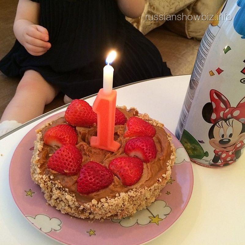 Праздничный торт дочки Анны Снаткиной